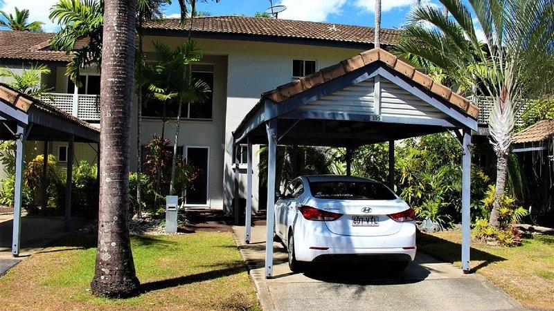 Villa 105 * The Reef Resort - beside the pool, holiday rental in Julatten