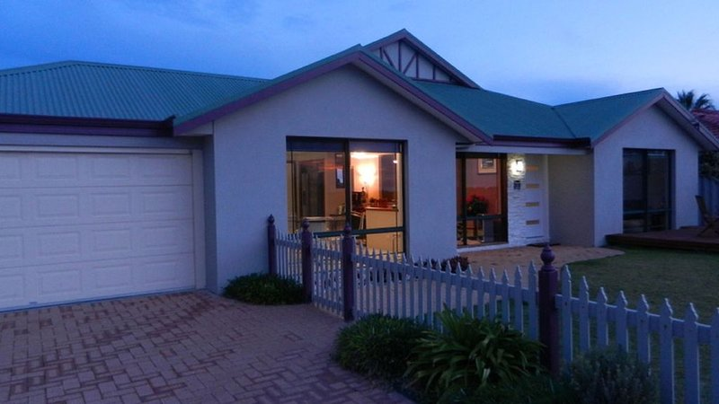 BUSSELTON OCEANSIDE HOLIDAY HOME, vacation rental in Margaret River Region