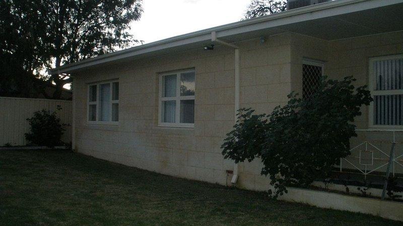Kelly's House excellent for contractors,families and pets, location de vacances à Binningup