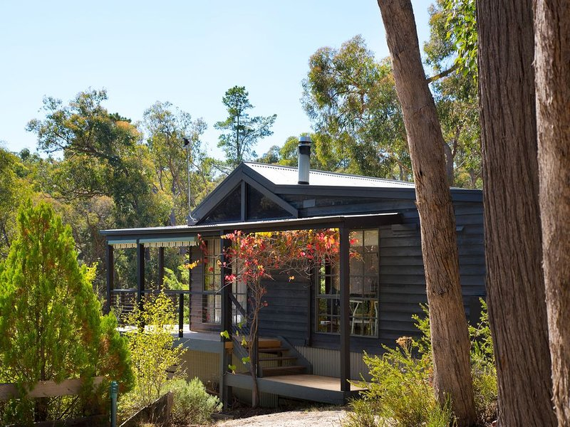 Wood for the Trees - Delightful Hideaway in the Trees, aluguéis de temporada em Hepburn Springs