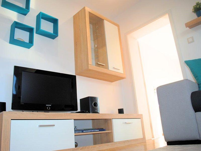 'The Genuine Flat in Lozenec' - 2 rooms + 1 k - brand new, great location !, aluguéis de temporada em Sófia
