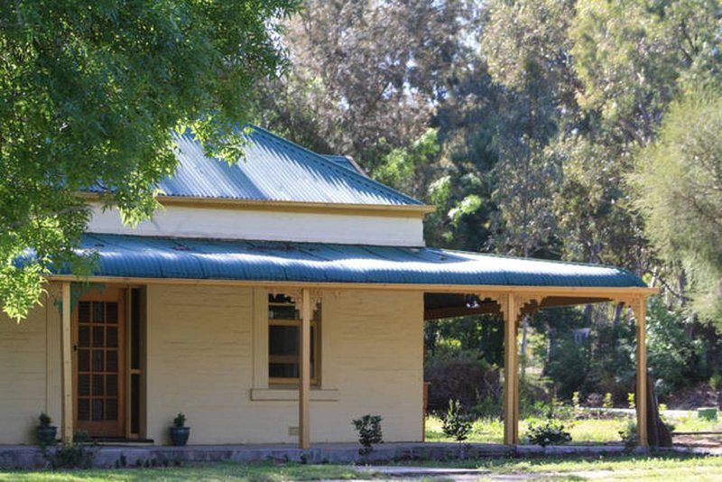 Clare Cottage on Wendouree, vacation rental in Clare