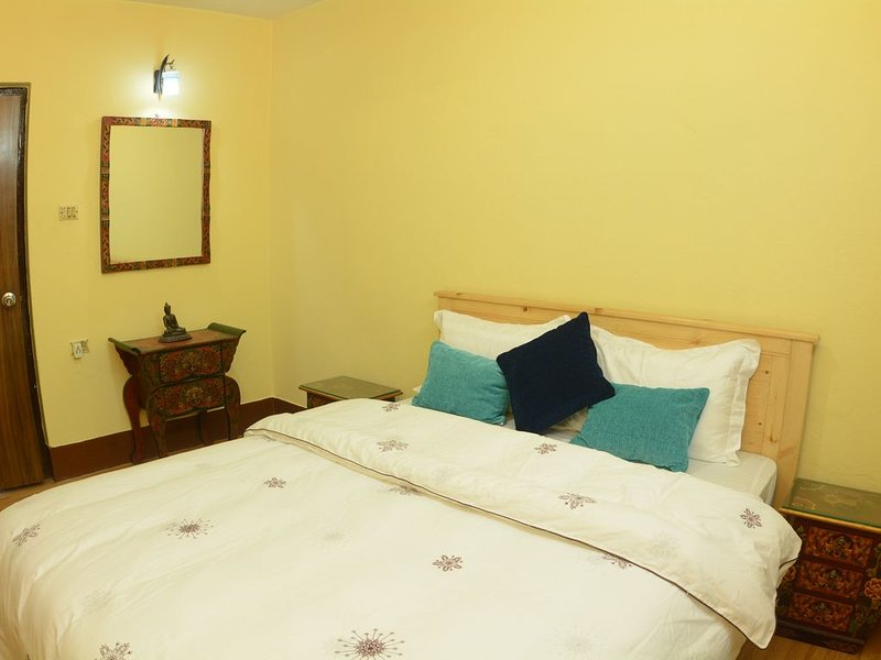 Central Botique Nomad 3BHK apartment, holiday rental in Nagarjun