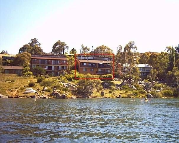 Aranda 1 - Waterfront Apartment - beautiful views, vacation rental in Jindabyne