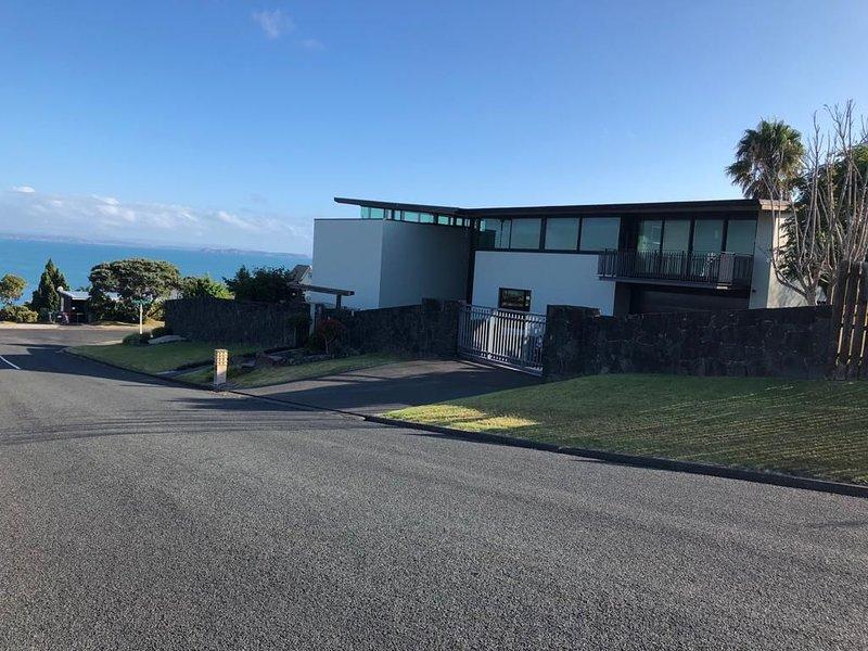 Exceptional 5 bedroom house, alquiler de vacaciones en Whangaparaoa