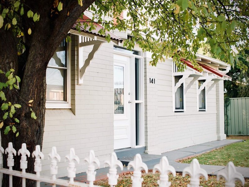 Gipps Street Cottage, vacation rental in Dubbo