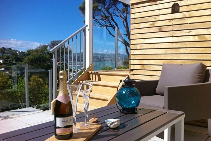 Aspen Cottage - Stylish Cottage with Sea Views, location de vacances à Gisborne Region