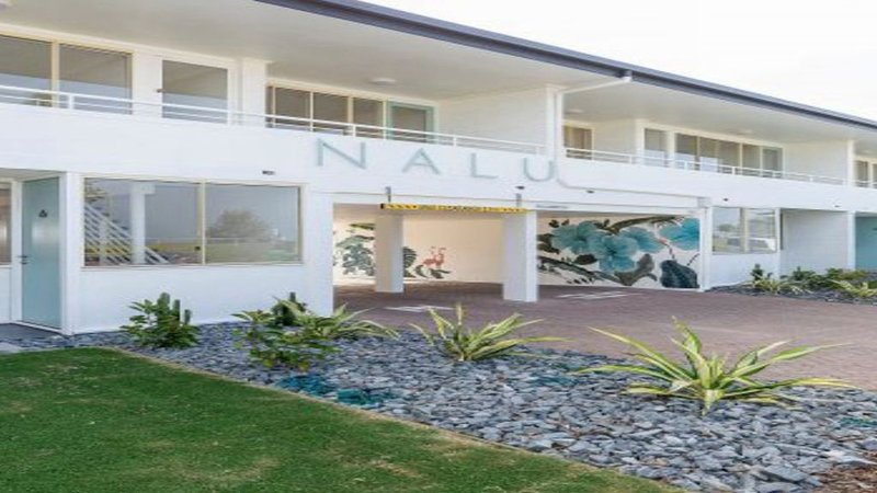 Nalu Beach Apartments 11, formerly Nobbys Outlook, holiday rental in Miami
