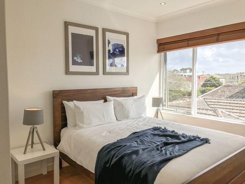 The Triple Treat! Value, Comfort & Location, holiday rental in Toorak
