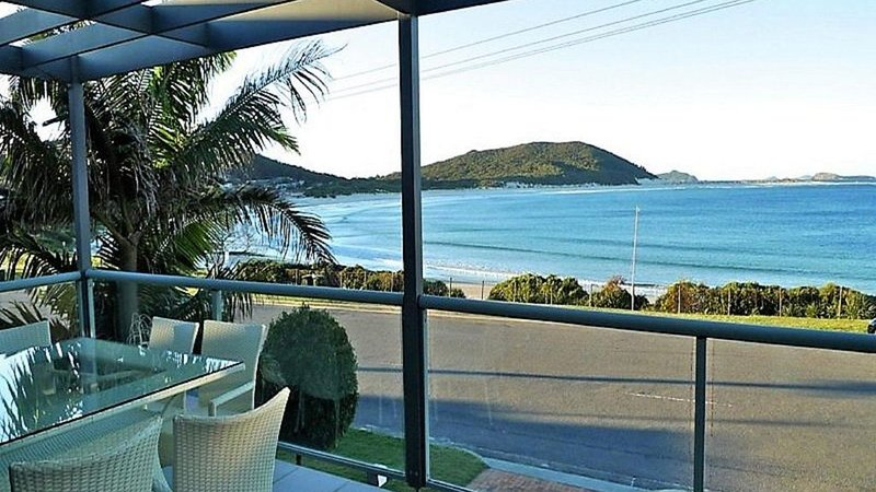On the Beach * Fingal Bay, vacation rental in Fingal Bay