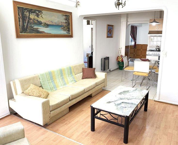 Bright apartment with terrace in Mendoza, holiday rental in Las Heras