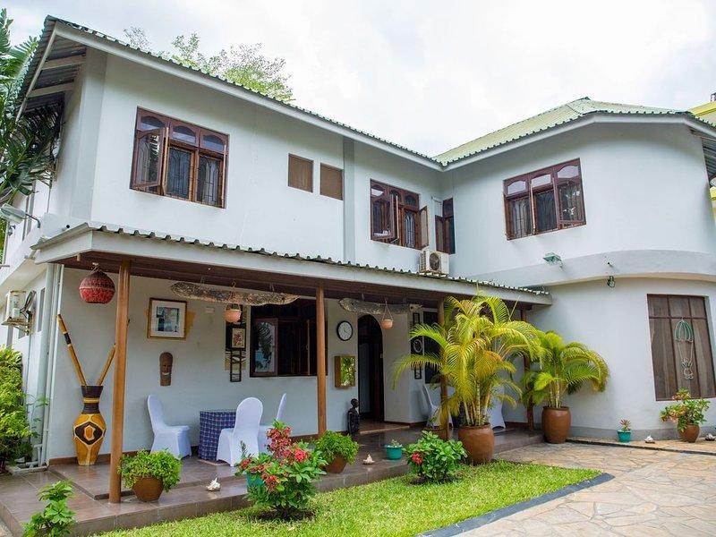 THE DAISY COMFORT HOME -MIKOCHENI, holiday rental in Mafinga