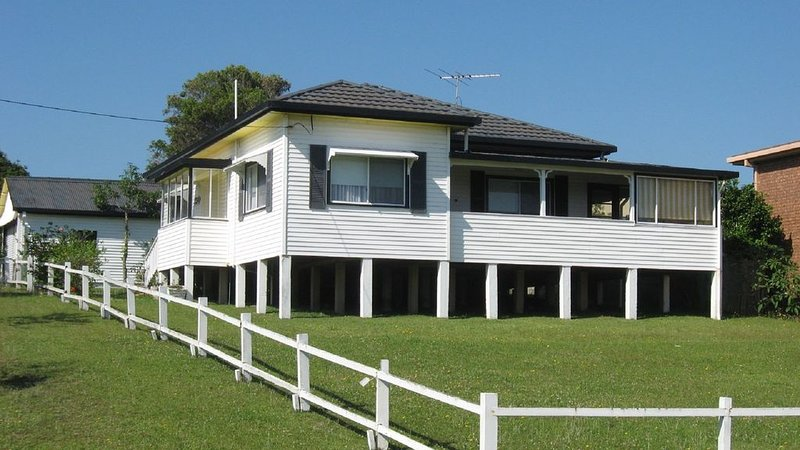 The Anchorage - located at Scotts Head, casa vacanza a Stuarts Point