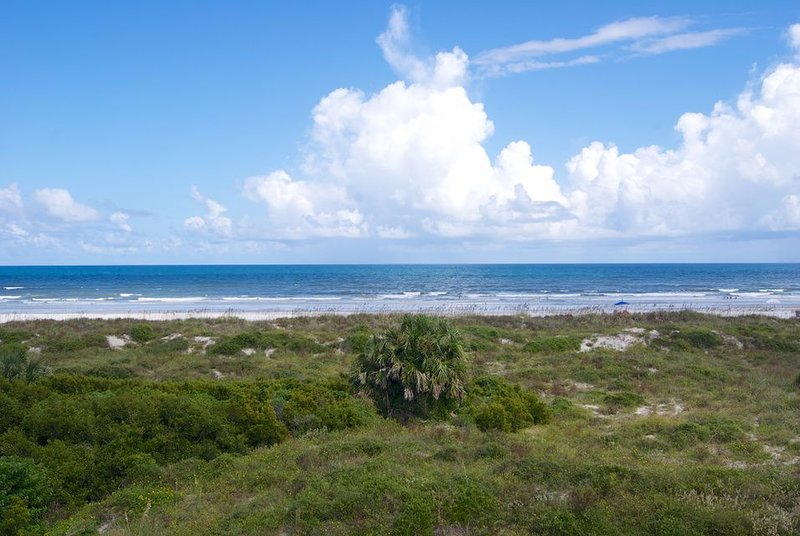 Space and comfort await you in this Gold-rated condo with perfect views of the o, vacation rental in Saint Augustine Beach