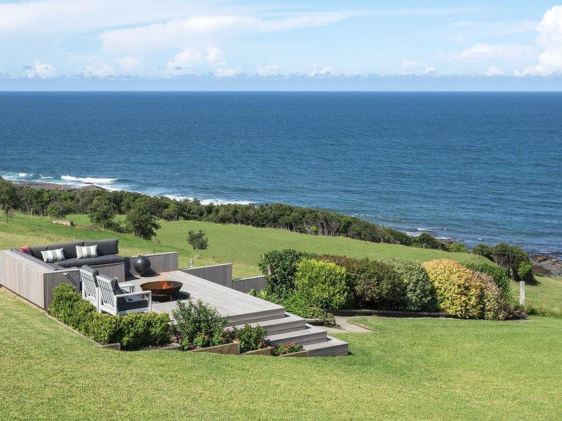 ELANORA GERROA _ Stunning Ocean Views, Luxury By the Sea., location de vacances à Kiama Municipality