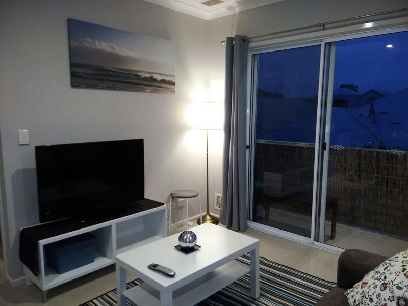 1 Bebroom Hideaway Apartment, holiday rental in Carramar