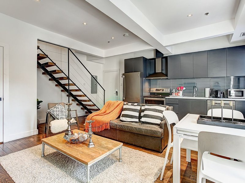 Penthouse in Boutique Saint Francois Xavier - 304, vacation rental in Montreal