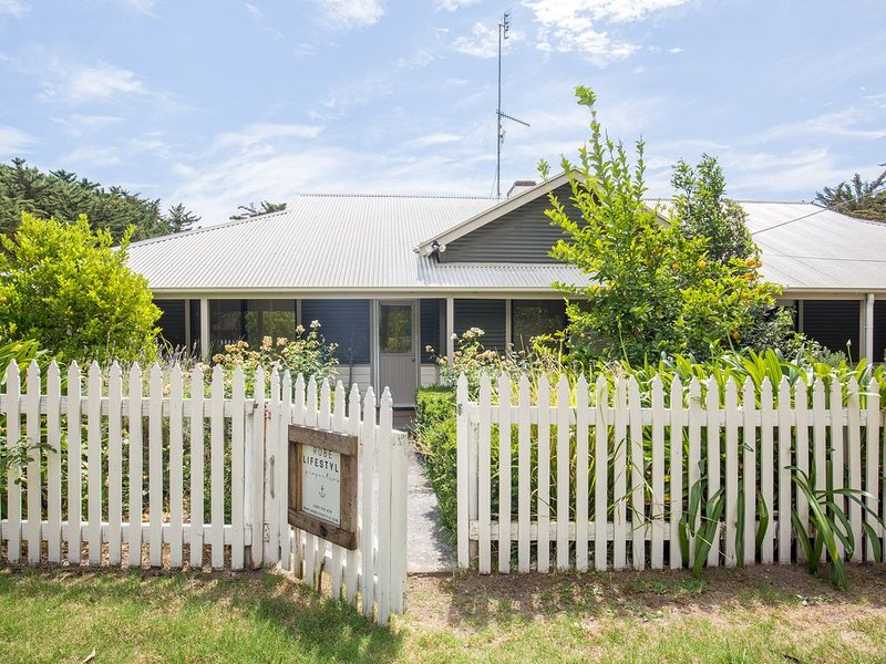 Honeyfield House - country escape, close to Robe, holiday rental in Kingston SE