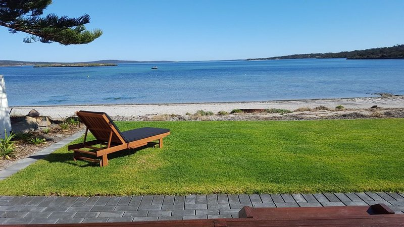 Vandy's Shack at Dutton Bay ideal for couples and small families., vacation rental in Coffin Bay