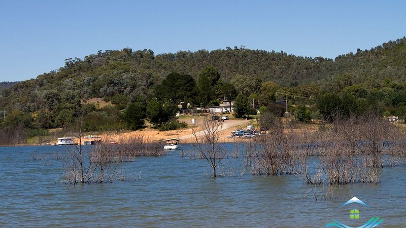 Chalet By The Bay - Goughs Bay, only 35 minutes to the entry gates of Mt Buller, holiday rental in Alexandra