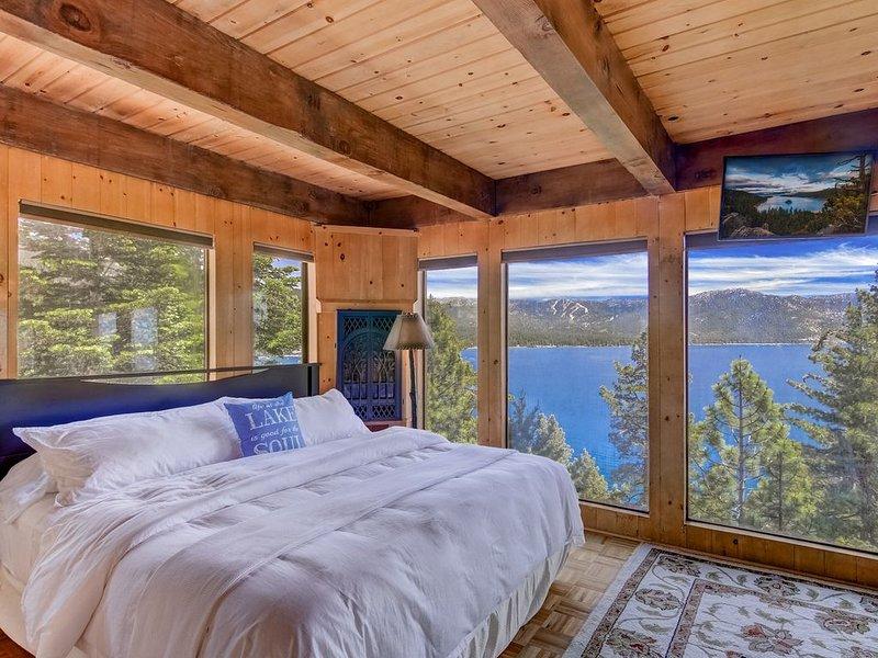 Stargazer - Lakefront getaway, BBQ, Stunning Views, Smart TV, location de vacances à Crystal Bay