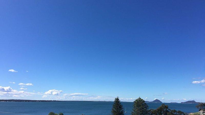 Views on Vista: Best Views in all of Port Stephens, holiday rental in Port Stephens