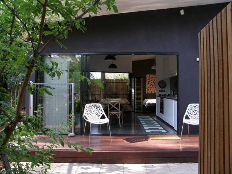 Studio Five Your ApARTment in Alice Springs, alquiler vacacional en Alice Springs