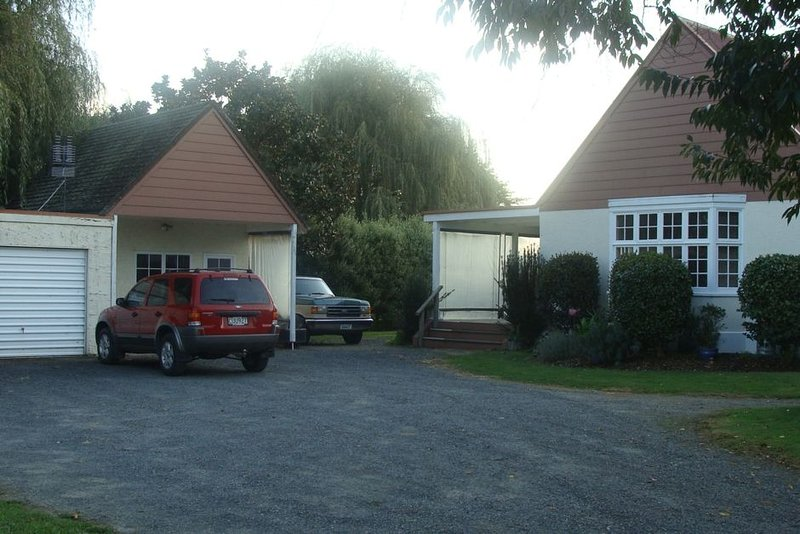 Stunning Secluded Country Cottage, holiday rental in Hamilton