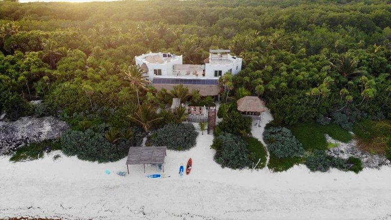 Luxury beachfront villa on private virgin white beach of the Sian Ka'an, Tulum, vacation rental in Punta Allen