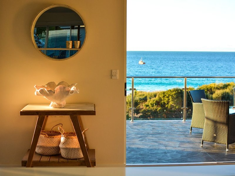 BINNY BEACH HOUSE Beachfront at Binalong Bay on the Bay of Fires, casa vacanza a Ansons Bay