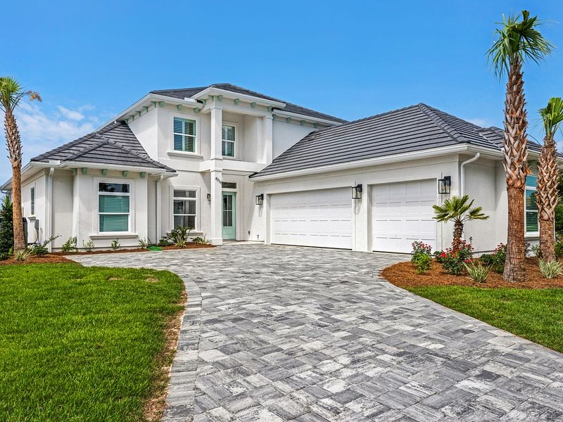 Social Distance with Views, W/Private Pool & FREE 6 Seater Golf Cart., vacation rental in Miramar Beach