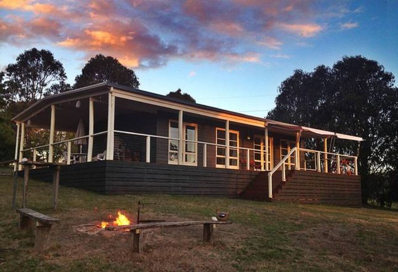 Austracantha Cottage, holiday rental in Whitfield