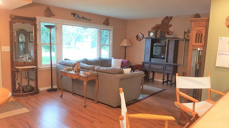 Beautifully Renovated Rambler in Bloomington, holiday rental in Shakopee