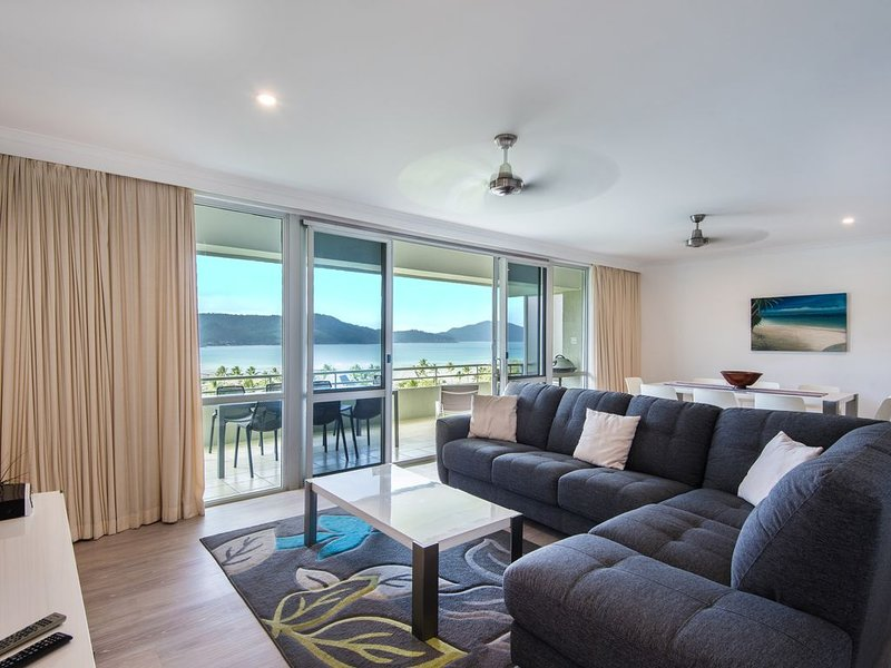 **POINCIANA 209** Spectacular views, Buggy & Wifi, alquiler vacacional en Shute Harbour