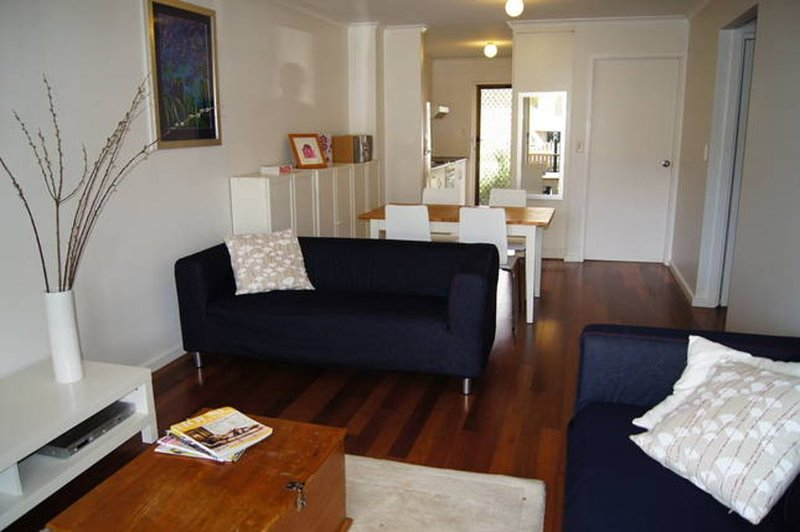 Adelaide City Edge Apartment - North Adelaide, holiday rental in Pooraka