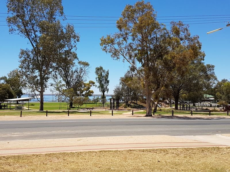 Barmera Lake Bonney-Relax Recharge and Play, vacation rental in Renmark