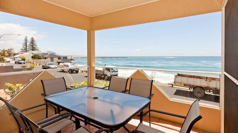 Avalon 2- uninterrupted views- almost on the beach, vacation rental in Yamba