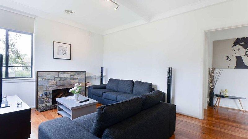 Delightful, Cozy & Modern House, casa vacanza a Banyule