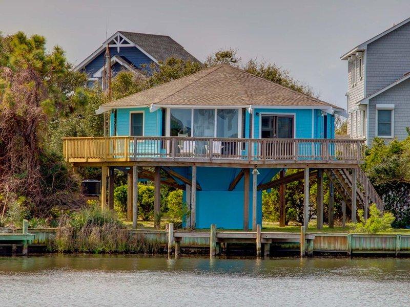 �️Hidden Retreat in Hatteras w/ Water Views + Dock �, vacation rental in Hatteras