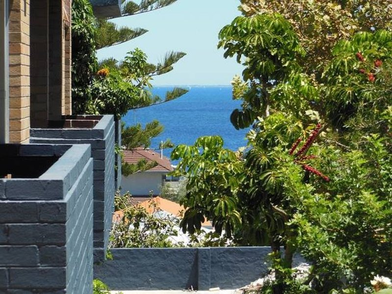 Avon Court Apartment 8, vacation rental in Cottesloe