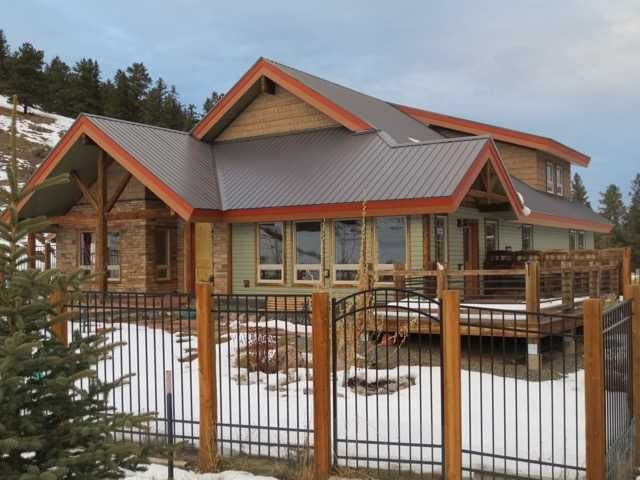 B's Nest - Spectacular Home with Great Mountain Views, holiday rental in Lake City