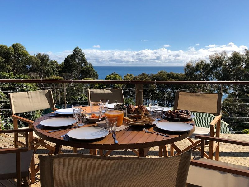HIDDEN HAVEN - Secluded waterfront property at Binalong Bay on the Bay of Fires, casa vacanza a Ansons Bay