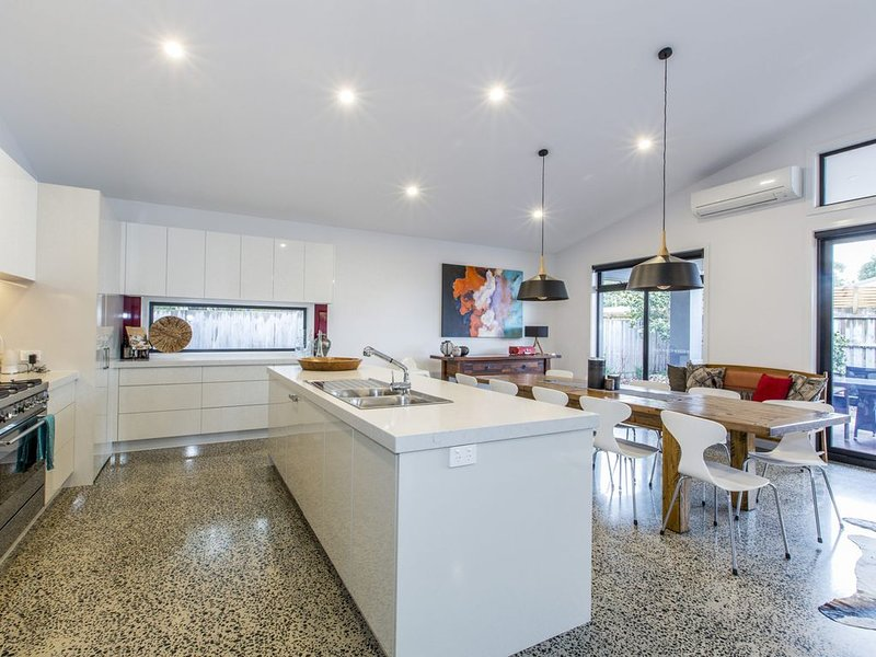 SANCTUARY ON BAYVIEW, holiday rental in Inverloch