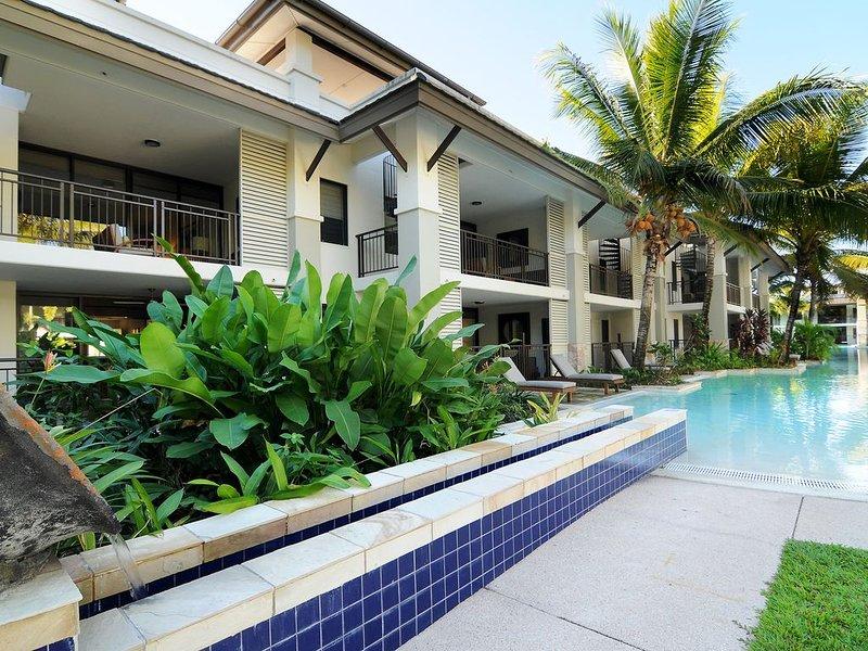 Sea Temple Studio Apartment, vacation rental in Port Douglas