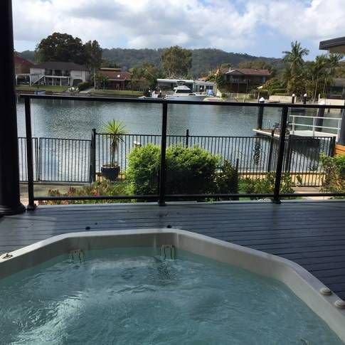 WATER FRONT OASIS - ST HUBERTS ISLAND – semesterbostad i Woy Woy