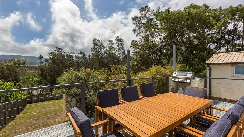 Ocean Breeze - Family Escape - Pet Friendly, Close to Beach, holiday rental in Kiama Municipality