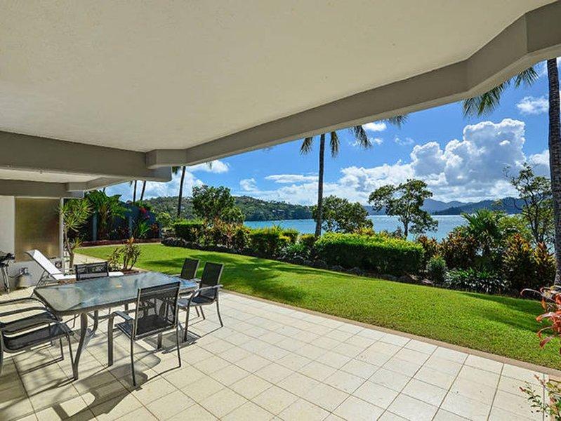 Frangipani 6 Hamilton Island, holiday rental in Shute Harbour