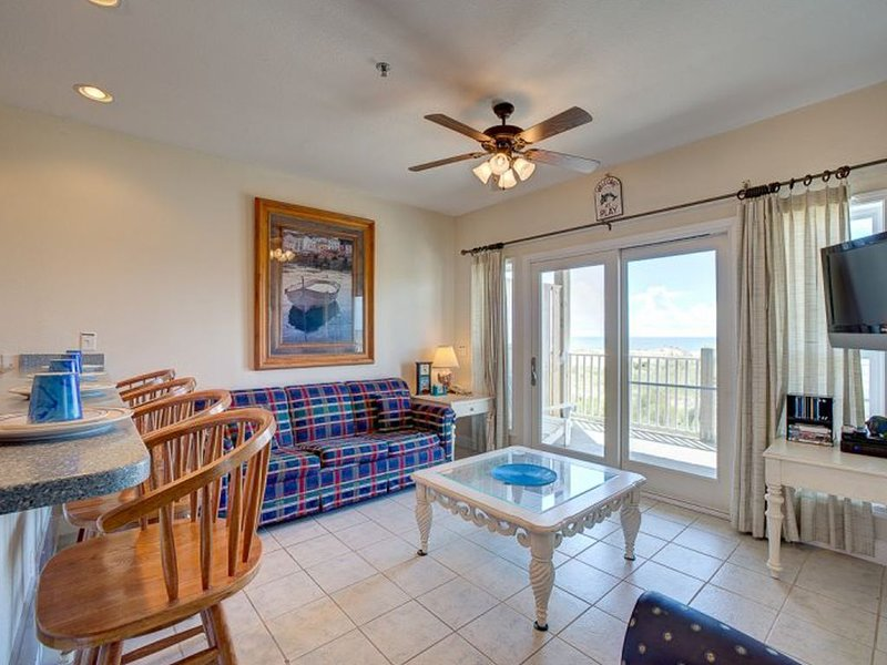 Making Memories - Rare 3 Bedroom Durant Station Condo Home in Hatteras, vacation rental in Hatteras