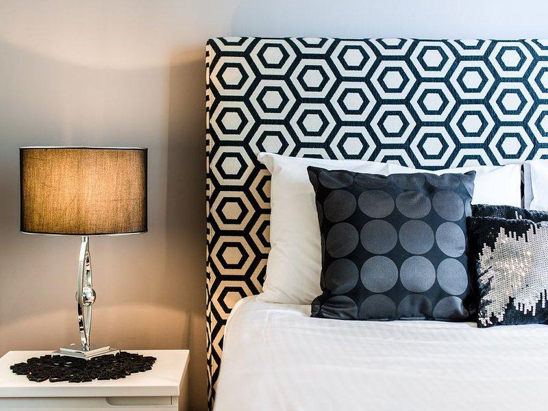 Glenelg beachfront luxury apartment, casa vacanza a Glenelg