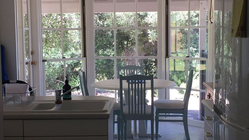 The Beach House at Florida Beach, holiday rental in Lake Clifton